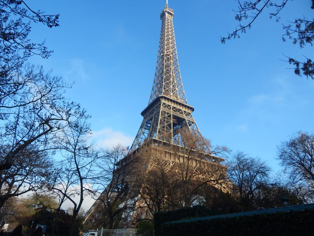 France -This best countries to visit It includes the easiest countries to travel to and the best travel destinations for first-timers so that you can start your travel life slowly,