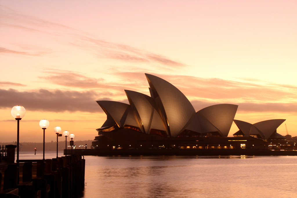 Australia - This best countries to visit It includes the easiest countries to travel to and the best travel destinations for first-timers so that you can start your travel life slowly,