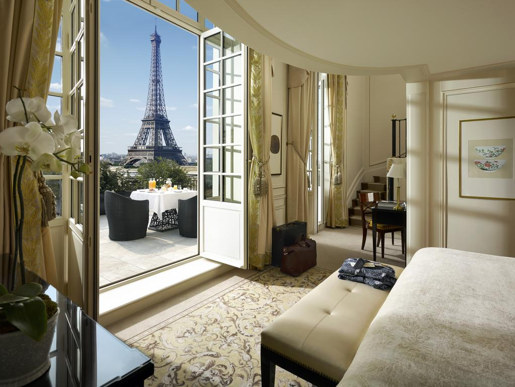 Shangri-La Hotel Paris Hotels with Eiffel Tower View