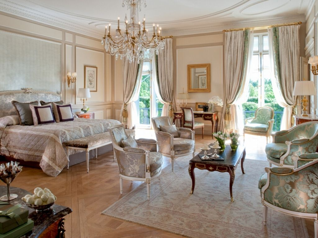 Le Meurice Hotels with Eiffel Tower View